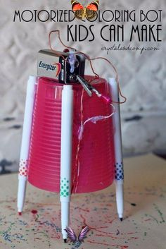 26 DIY Projects for The Budding Genius Bot<br> Want to make something cool and crafty with your kids while also teaching them valuable STEM skills? DIY projects are the perfect way to share this learning experience with children, complete with hands on activities that promote learning basic electronics, math and science concepts. From building a robot to making math games, exploring basic physics concepts with play to creating crystals at home, we have the best DIY stem ideas to make with… Stem Science, Science For Kids, Summer Science, Fun Science Experiments For Teens, Physical Science, Earth Science, Chemistry For Kids, Science Labs, Science Week