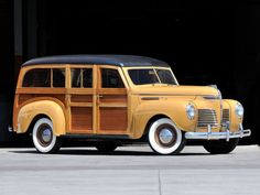 Plymouth DeLuxe Station Wagon 1940.