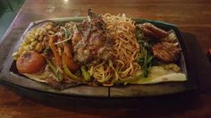 Grilled Chicken Sizzler with Noodles http://ift.tt/1Wgi0n5