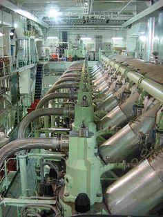 Merchant Navy, Merchant Marine, Marine Diesel Engine, Marine Engineering, Ulsan, Tall Ships, Heavy Equipment, Marines, Computers