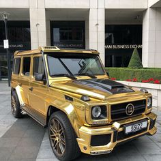 Brabus dipped in 👀 Credits: Gold Mercedes, Mercedes Brabus, Mercedes G Wagon, Mercedes Benz G Class, Fast Sports Cars, Jeep Suv, Lux Cars, Suv Trucks, Best Luxury Cars