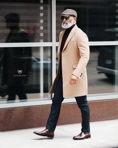 gentleman style Southern Gents Mens Camel Topcoat on irvinrandle Most Stylish Men, Stylish Mens Outfits, Stylish Men Over 50, Stylish Man, Gentleman Mode, Gentleman Style, Dapper Gentleman, Dapper Men, Fashion Week
