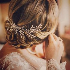 Gorgeous Bridal Hair Jewelry Bridal Hair Combs • With Veil • Leaves • Lace • Champagne • Headpieces • Sprays • Receptions • Blue • Rose • Blush Pink