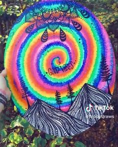 trippy easy drawings colorful painting canvas neon vinyl instag zohi sharpie virtual record
