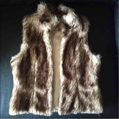 Faux fur vest GIRLS - small 6/6x , perfect condition! Cherokee brand (target) Cherokee Jackets & Coats Vests