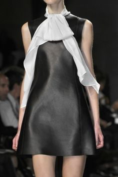 Céline robe cuir