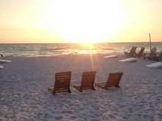 Pass-A-Grille Beach in Pass-a-Grille, FL. Lay of the Land: Relax and take in beautiful sunsets, and discover the historic charm of this Old Florida fishing community. Old Florida, Florida Travel, Pass A Grille Beach, Gulf Coast Beaches, Clearwater Florida, Beautiful Sunset, Sun Lounger, Saints, Awesome