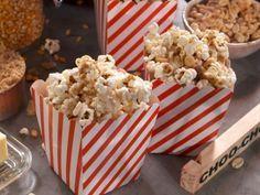 Sweet and Salty Conductor Corn Recipe : Nancy Fuller : Food Network Köstliche Desserts, Delicious Desserts, Yummy Snacks, Kid Snacks, Yummy Appetizers, Yummy Treats, Popcorn Recipes, Snack Recipes, Honey Fried Chicken