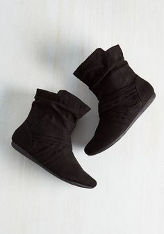 Barnhouse Brunch Bootie in Black From the Plus Size Fashion Community at www.VintageandCurvy.com