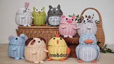 rattan cute Straw Weaving, Bamboo Weaving, Paper Weaving, Weaving Art, Basket Weaving, Newspaper Basket, Newspaper Crafts, Rattan Basket, Wicker