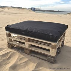 Schuimrubberbetaalbaar.nl heeft goedkope pallet kussens voor buiten! Deze is van 69 voor 49 euro. Stoffen van redzipper.nl