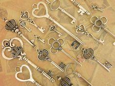 20 silver tibetan skeleton assortment skeleton keys favor jewelry supplies Victorian steampunk silver tone keys craft supplies