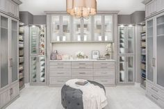 36+ Walk In Closet Organization Tips & Guide 187 - pecansthomedecor.com