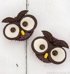 Sarah's 1st Birthday Cake (and Owl Cupcakes)