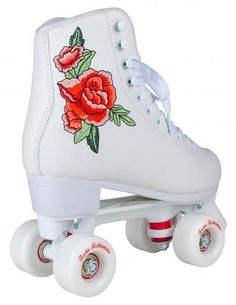 Make a statement in our new 'Rosa' skate which features delicate Rose embroidered detailing. Based on the timeless shape of our 'classic' figure skating model withextra padded fleece lining and the same great specs as our Bubblegum skates. Outdoor Roller Skates, Retro Roller Skates, Roller Skate Shoes, Quad Roller Skates, Roller Derby, Roller Skating, White Roller Skates, Rio Roller, Cute Shoes