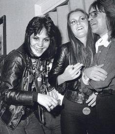Joan, Lita & Rodney Bingenheimer - the-runaways photo