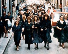 La Mafia  e`anche in tua citta       *       Die Mafia ist auch in deiner Stadt  : Die Patinnen