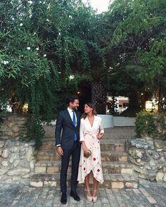 """609 Me gusta, 31 comentarios - Mar (@maroapa) en Instagram: """"Primera amiga casada #12A #Inmaymiguel #mipeto"""""""