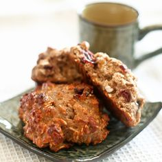 Protein Oatmeal Cookies - You can add cranberries, dates, etc for extra sweetness; replace protein powder with brewer's yeast for lactation cookies. Protein Powder Recipes, High Protein Recipes, Protein Snacks, Healthy Protein, Healthy Sweets, Healthy Snacks, Healthy Eating, Healthy Sugar, Healthy Menu