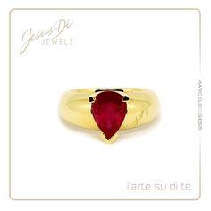 Anello in oro con Rubino realizzato artigianalmente dall' artista orafo Marcelo Di Gesú  Jesus Di Jewels