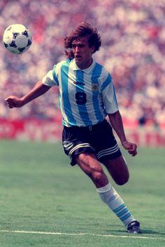 9 Gabriel Batistuta Lo Mejor Del Futbol ea6a9836b6a66