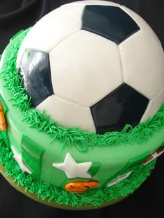 Soccer Tips. One of the greatest sports on this planet is soccer, also referred to as football in numerous countries around the world. 50th Birthday Cakes For Men, Soccer Birthday Parties, Soccer Party, Sports Party, Boy Birthday, Soccer Cupcakes, Soccer Ball Cake, Soccer Skills, Soccer Tips