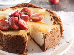 Serves 6 Preparation: 20 min Baking: 50 min Chilling: 2 hours CRUST 350 g ginger biscuits 100 g. Pork Belly Roast, Yummy Eats, Yummy Food, Cheesecake Recipes, Dessert Recipes, South African Desserts, Baking Tins, Occasion Cakes, Sweet Bread