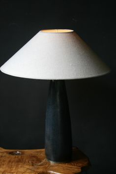 Black table lamp - LIGHTING - Antiques - Authentic and so