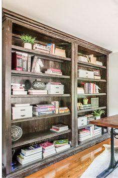 Bookshelf for your home office #homeoffice #officespace #bookshelf #designdetails #interiordesign #homedecor
