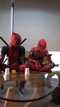 Deadpool funny magic show😆 Deadpool Pikachu, Deadpool Funny, Deadpool And Spiderman, Funny Marvel Memes, Marvel Jokes, Deadpool Cosplay, Spiderman Cosplay, Deadpool Wallpaper, Avengers Wallpaper