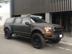 Matte black raptor New Trucks, Chevy Trucks, Pickup Trucks, Chevy Reaper, All Terrain Tyres, Chevy Silverado 1500, Ford Raptor, Cars And Motorcycles, Offroad