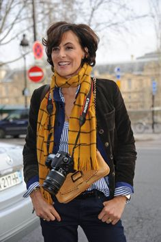 Ines de la Fressange Photo - Celebs Arriving at the Versace Spring-Summer 2012 Show