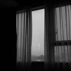 Ideas For Photography Dark Sad Gray Aesthetic, Night Aesthetic, Black And White Aesthetic, Dark Feeds, Looks Dark, Dark Paradise, Memento Mori, Aesthetic Pictures, Aesthetic Wallpapers