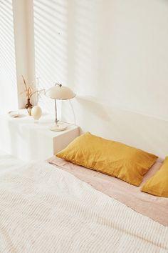 boho bedroom decor with blush rust orange and cream bedding. Bedroom Decor For Women, Boho Bedroom Decor, Bedroom Bed, Red Duvet Cover, Duvet Covers, Zara Home, Home Design, Interior Design, Unique Furniture