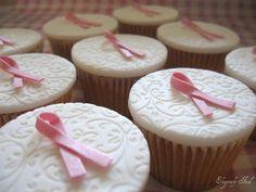 #PANDORAloves... Cute Breast Cancer Awareness cupcakes. #bca