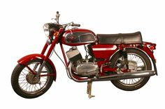 The Jawa 350 Type 634 was produced in vast numbers throughout the and Moto Jawa, Jawa 350, Antique Motorcycles, Motorcycle Engine, Racing Motorcycles, Classic Bikes, Cool Bikes, Bobber, Motor Car