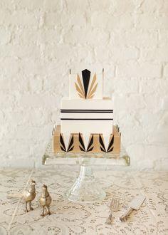 Art deco cake_Lael Cakes: Gilded Cakes #Black #Wedding #Cake