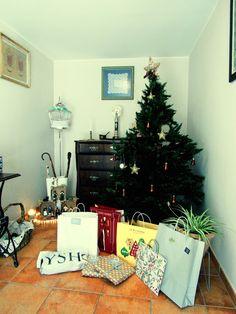 Mañana de Reyes Reyes, Christmas Tree, Holiday Decor, Home Decor, Xmas, Teal Christmas Tree, Decoration Home, Room Decor, Xmas Trees
