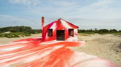 You Can't Miss This Spray-Painted Beach House #food