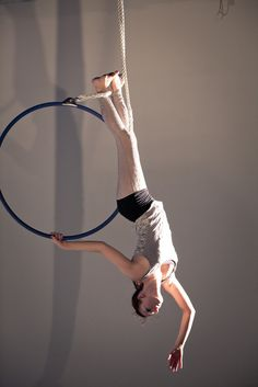 Best Weight Loss Tips in Just 14 Days If You want to loss your weight then make a look in myarticle. Lyra Aerial, Aerial Acrobatics, Aerial Dance, Aerial Hoop, Aerial Arts, Aerial Silks, Silk Dancing, Circus Art, Tangle Art