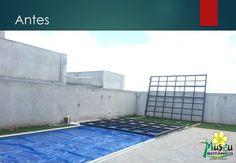 Estender o espaço útil desta residência levou a instalação de um deck móvel em função de otimizar este espaço. O deck ainda proporciona um espaço agradável para o Pergolado que contempla a piscina. Museu Botânico