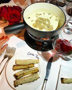 Nosso jantar de ontem! Foundue de queijo trufado maravilhoso no @casatuaaspen  hoje tem foundue denovo por que para mim todo dia é dia de fondue rs! @aspensnowmass