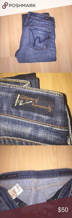 """Citizens For Humanity Dita Petite Bootcut Citizens for humanity. Dark Wash. Dita Petite BootCut. 98% Cotton, 2% Elastan. Size 26 or 2. Inseam 30"""", Front Rise 5.5"""", Waist 13.5"""". Good condition. Citizens of Humanity Jeans Boot Cut"""