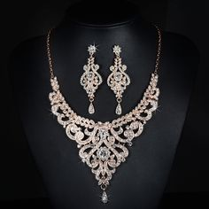 2017 New Arrival Rose Gold Austrian Crystal Rhinestones Flower Alloy Wedding  Jewelry Set Bridal Necklace Earring Set Bridesmaids 0c94302a6427