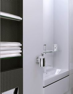 Michael Samoriz | WC in minimalism style with Hansgrohe - PuraVida accessories