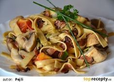 Labužnické široké nudle recept - TopRecepty.cz Slovak Recipes, Pasta Salad, Food And Drink, Treats, Chicken, Cooking, Ethnic Recipes, Crab Pasta Salad, Sweet Like Candy