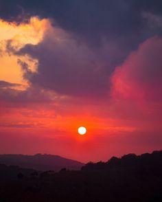 #sun #natureview #sunray #natureshots #summer2017 #sunset_hub #travelstagram #natureseekers #landscaper #earthy #italygram #molise #moodygrams #shotzdelight #theIMAGED #webstapick #like #comment #top_hdr_photo #sunrise #landscapestyles #landscapephoto