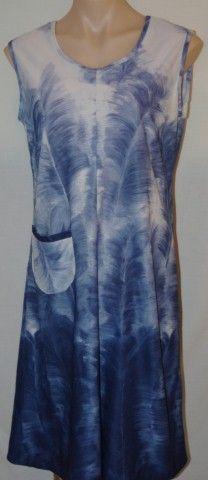 Huge Sale of Vintage and Vintage Inspired Clothing at www.vintagemoi.com.au This Vintage shift Dress is 70's Size 12. On Sale $10