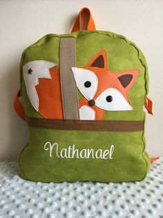 Sac à dos renard - similicuir/suédine/coton - vert/orange/blanc : Sacs à dos, cartables par soisiccoud Fox Decor, Diy Flowers, Leather Craft, Sewing Projects, Applique, Preschool, Creations, Reusable Tote Bags, Baby Shower