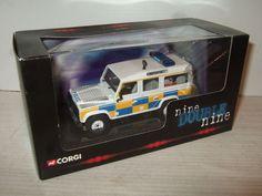 New Corgi CC07716 Land Rover Defender Police Service N. Ireland in 1:43 Scale